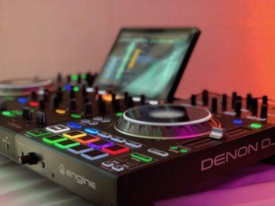 Standalone Controller von Denon DJ